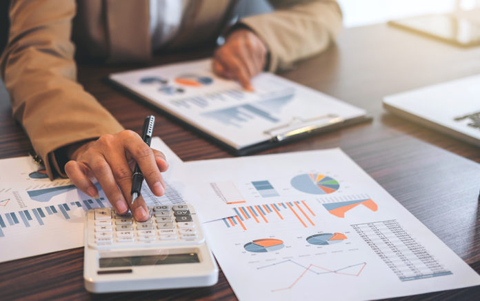 10 Skills Needed to Become a Top-Tier Financial Analyst