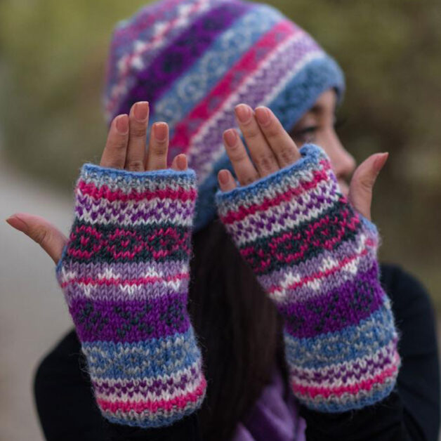 Online Availability of Woolen Gloves in India